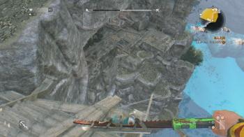 屋敷の裏の崖